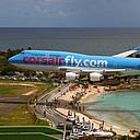 Low Landing at St Maarten Airport